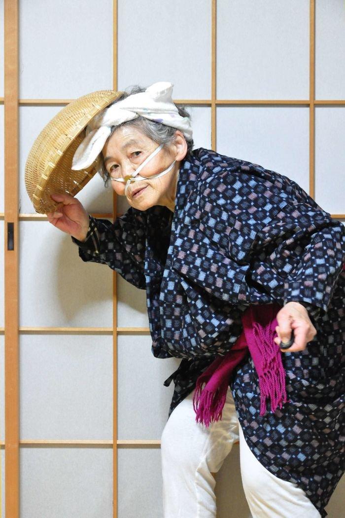 Vovó japonesa aprendeu a se fotografar e virou profissional aos 89 anos