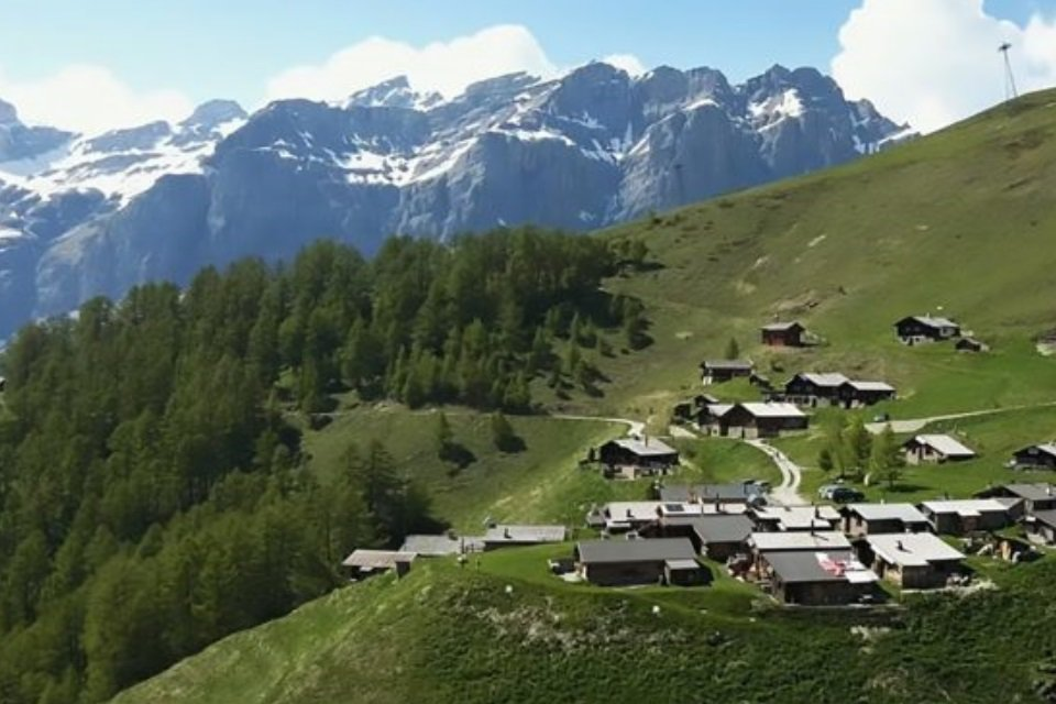 Pueblo suizo te paga para que lo habites