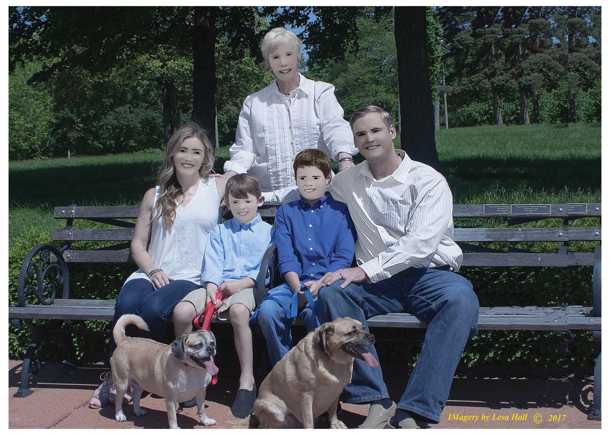 E o prêmio de pior edição de imagem vai para as fotos desta família