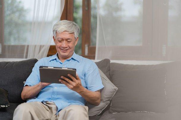 Estudos anteriores descobriram que os níveis de solidão são maiores nas sociedades coletivistas, sendo assim, poderá ter um impacto negativo na sociedade de Singapura. (Fonte: Freepik/Reprodução)