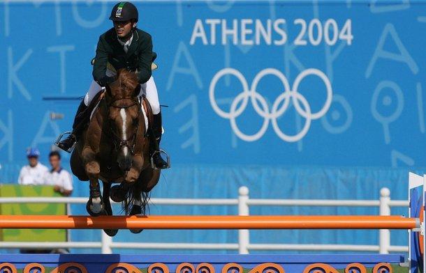 O cavalo Baloubet du Rouet, de Rodrigo Pessoa, trouxe um ouro para o Brasil em Atenas 2004