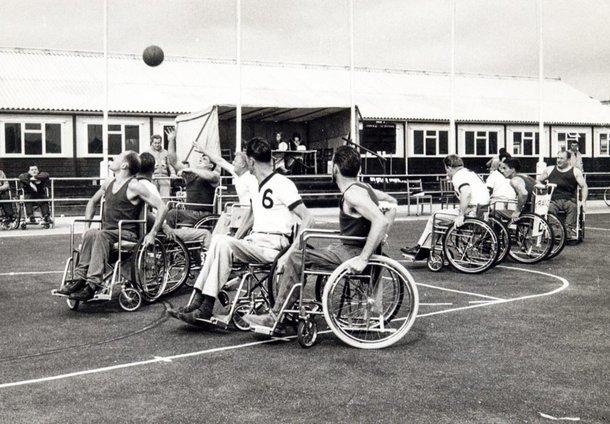 O basquete em cadeira de rodas foi um dos primeiros esportes dos jogos de Stoke Mandeville (Imagem: Paris2024/Reprodução)