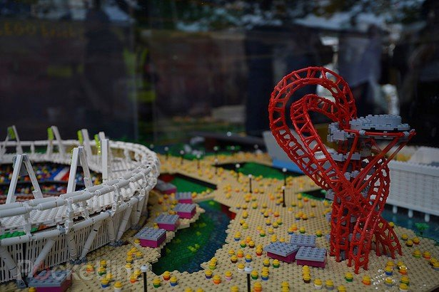 Arte de brinquedo: confira réplica em LEGO do Parque Olímpico de Londres
