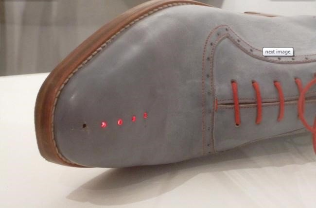 Sapatos com GPS não deixam você perder o rumo [galeria]