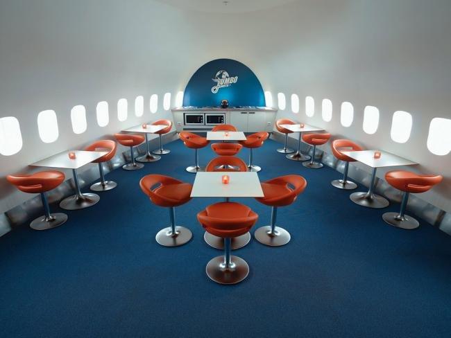 Avião 747 vira hotel de luxo na Suécia