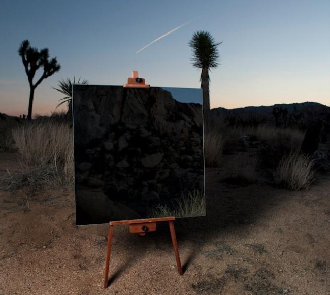 Fotógrafo usa espelho em paisagens abertas e deixa suas fotos incríveis