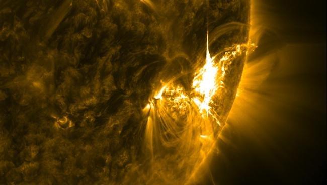 NASA divulga imagens espetaculares da última erupção solar