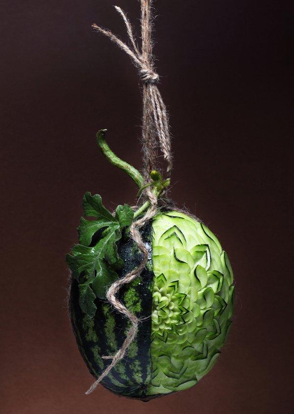 Fotógrafo cria esculturas com comida