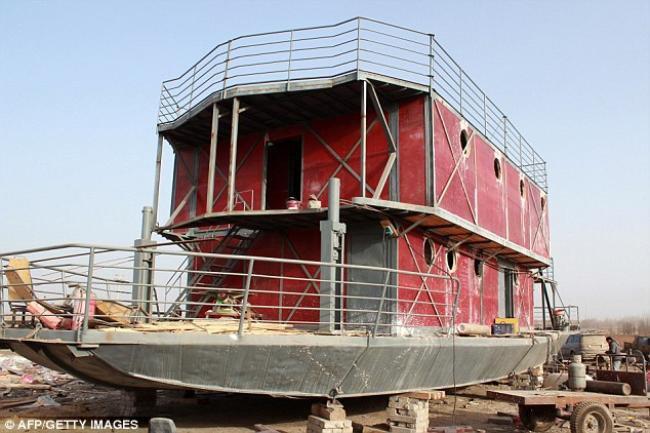 Arca de Noé: chinês constrói barco para escapar do fim do mundo