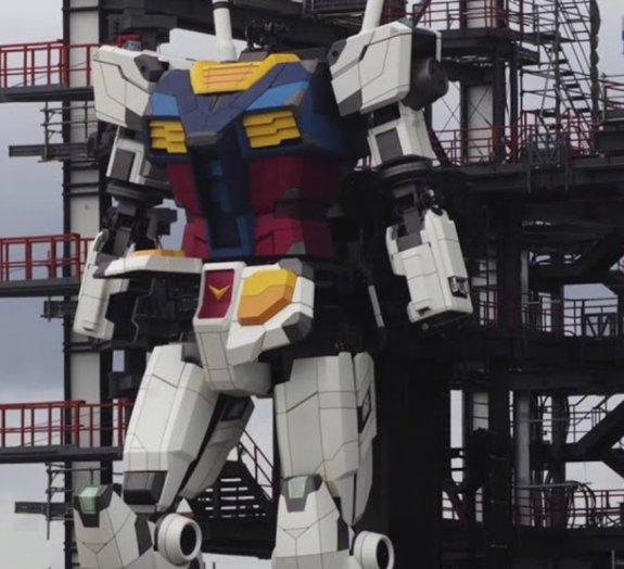 Novos testes em robô gigante de 18 metros mostram avanços